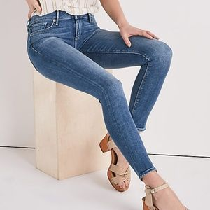 LUCKY BRAND Charlie Skinny Medium Wash Ankle Jeans